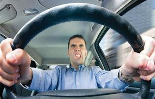 Como ficar parado no trânsito se pode transformar num momento de serenidade e ajudá-lo a gerir melhor o stress