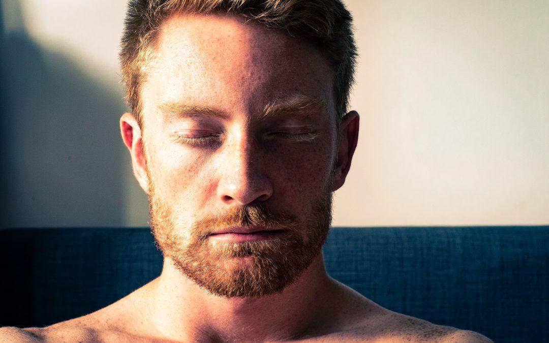 4 mitos sobre meditação e porque anda toda a gente a falar nisto